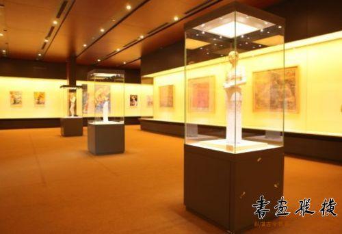 本次展览由策展人杨珊珊和程敏策划图片