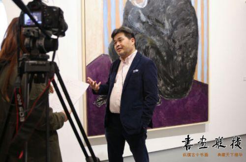 艺术家赵刚接受媒体采访