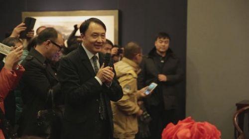 国务院参事室副主任、北京画院院长王明明先生主持开幕式