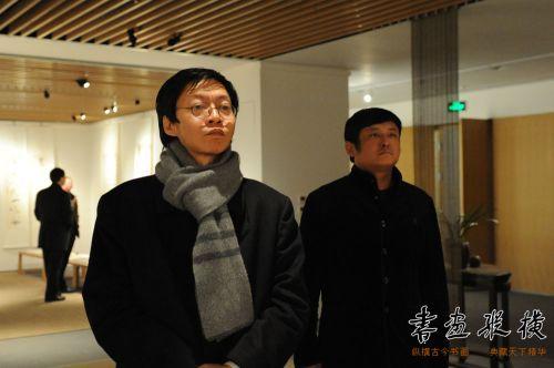 5中国职工书协副主席施恩波观看展览