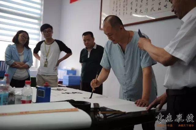 北京水墨艺术馆馆长、中国职工书法家协会副秘书长舒杰为学校题字