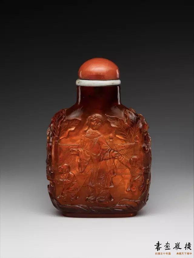 清 珊瑚帽琥珀鼻烟壶 纽约大都会博物馆藏