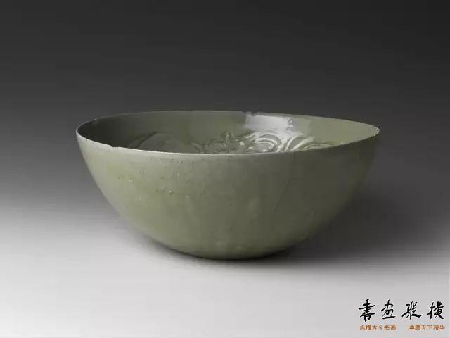 五代 龙纹青瓷碗 纽约大都会博物馆藏