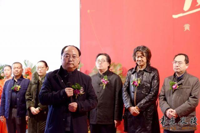 甘肃省文联副主席、书法家协会主席林涛致辞,他认为展览融入西部人文情感和历史元素,唤醒了大家对丝绸之路辉煌历史的记忆,也繁荣了甘肃的书法篆刻艺术活动,为甘肃书法篆刻爱好者提供了学习机会。